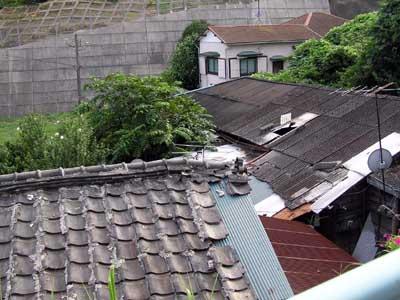 ゆがんだ屋根3