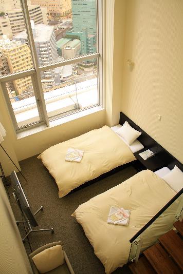 guestroom01.jpg