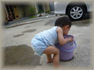 ゾウさんパンツで水遊び☆