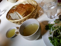 MOUTONのパンとスープ