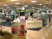 OPAきれい館の化粧品売場