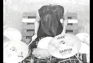 ドラムの彼も大迫力