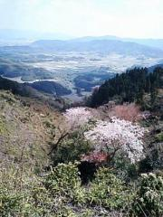 4月初旬、I山からA山方面のぞむ