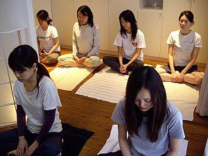 yoga1109_1.jpg