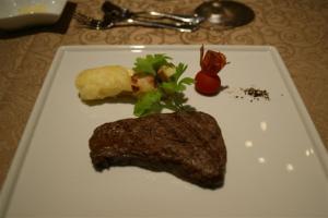 牛ひれステーキ