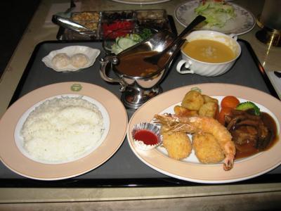 五島軒のカレー&洋食盛り合わせ