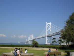 瀬戸大橋と海と空