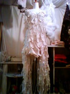 衣装 白 前