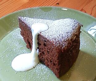 ラムレーズンチョコケーキ