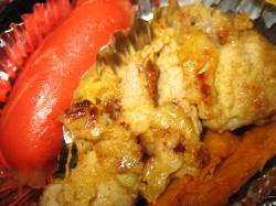 豚肉のカレー粉まぶし揚げと赤肉ウィンナー、かぼちゃがちょっぴり