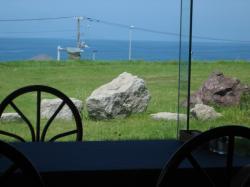 窓からは日本海が見えます♪
