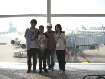 JL702の四人留学生♪