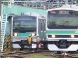 連結されたクハE233-2001