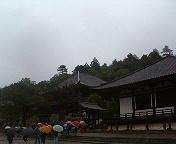 雨の二月堂