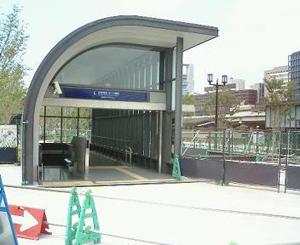 京阪なにわ橋駅blog01