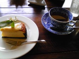 「チーズケーキ&アールグレイ」森のガーデンカフェ Avonlea(鹿児島
