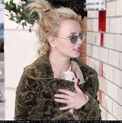 BritneySpears-006.jpg