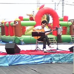 野外ライブ登場