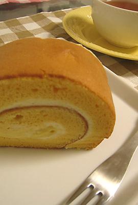 ふわふわスフレロールケーキ