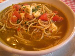トマトとモッツァレラのスパゲティ