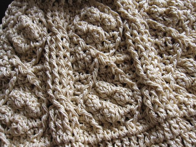 かぎ針編みでアラン模様