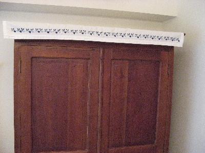 さくらんぼ刺繍のカーテン