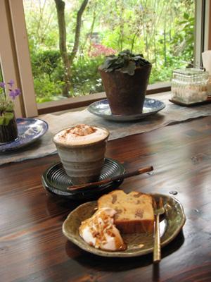 緑の中の喫茶店2