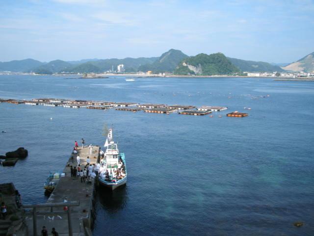 島の船着場の様子
