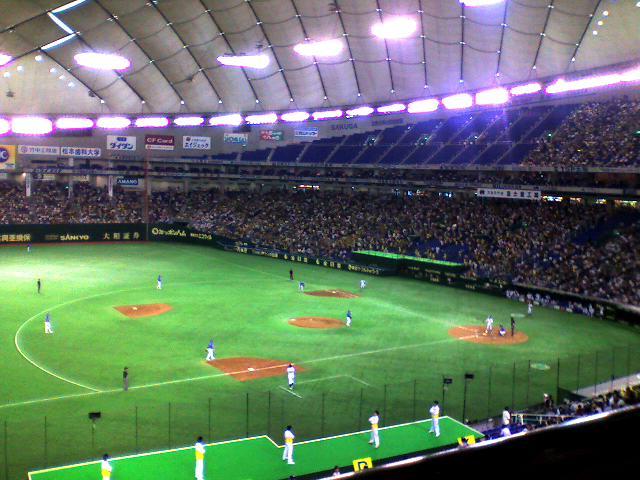 観客18000人