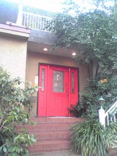 2009.1.12.ヒルズ赤いドア