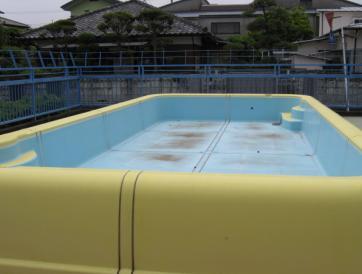 プール遊びと育児