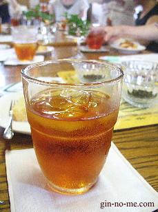 薔薇の紅茶のアイスティー