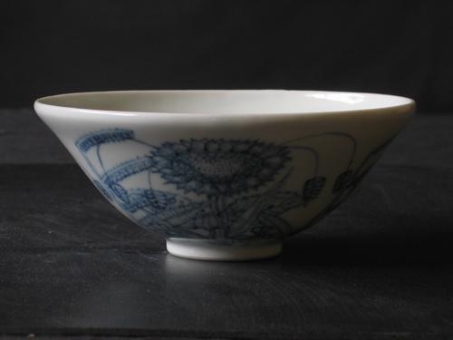 染めつけ茶碗お(木灰透明釉)
