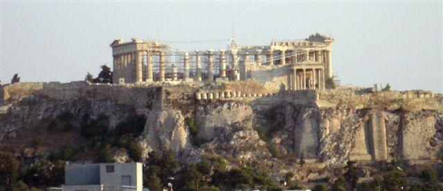 パルテノン神殿が見えます