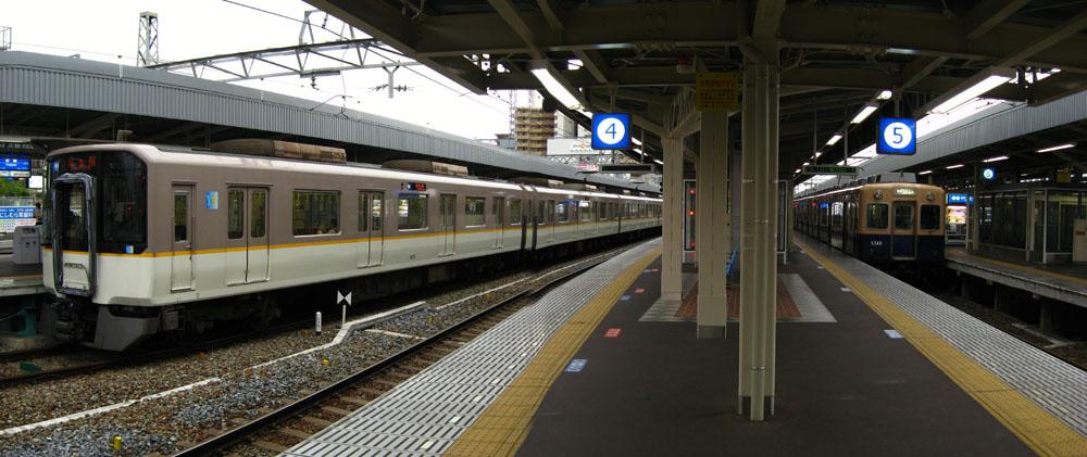 阪神尼崎駅STA