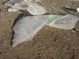氷も幾分厚く