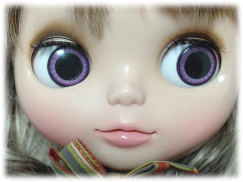 瞳孔大きめパープル