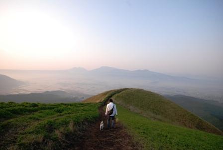 大観峰を歩く