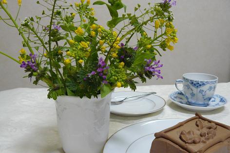 雑草の花とケーキ♪