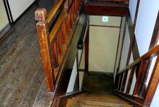 懐かしい雰囲気の階段