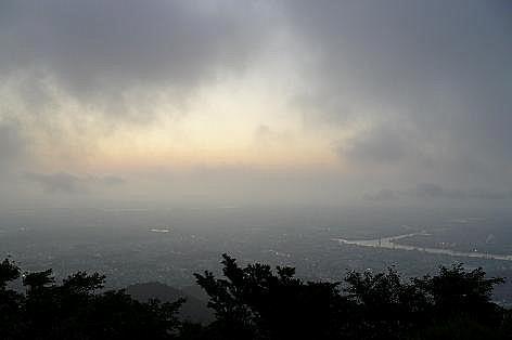 霧の皿倉山♪