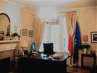 大使の執務室