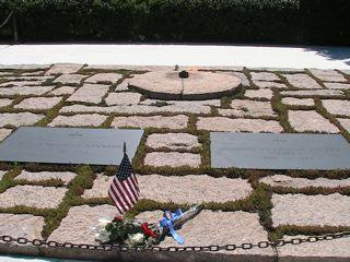 ケネディ大統領のお墓