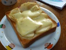 りんごチーズトースト