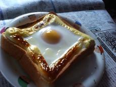 目玉トースト