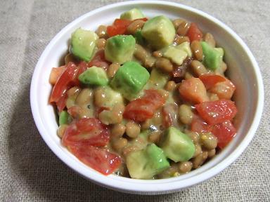 アボガド納豆とトマト