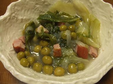 グリーンピースとキャベツの煮込み