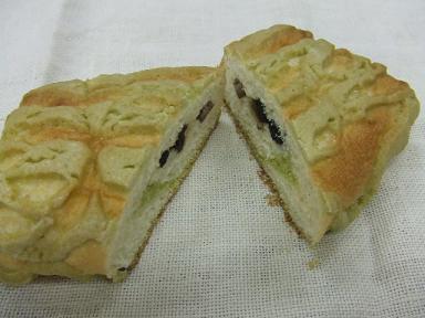 五色豆メロンパン