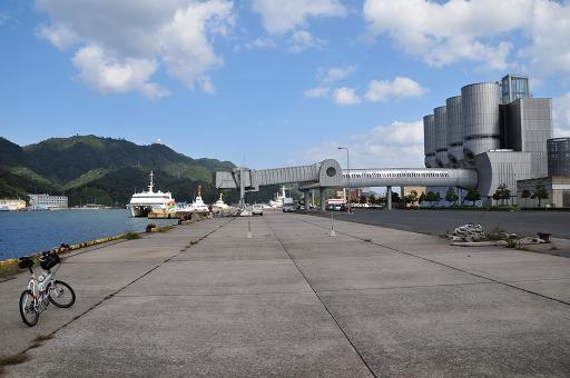 内港埠頭のフェリー乗り場