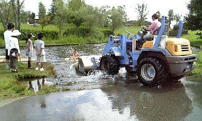 ミルク牧場の筏